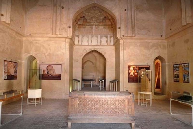 بناي هارونيه,بنای تاریخی هارونیه مشهد,بنای هارونیه