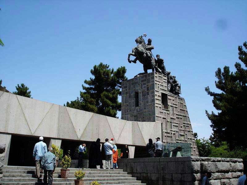 مکان موزه نادری,موزه آرامگاه نادری,موزه باغ نادری مشهد