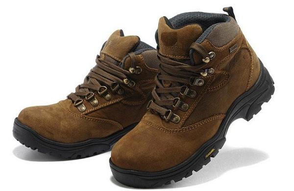 طرز نگهداری کفش کوه,نگهداری از کفش کوه