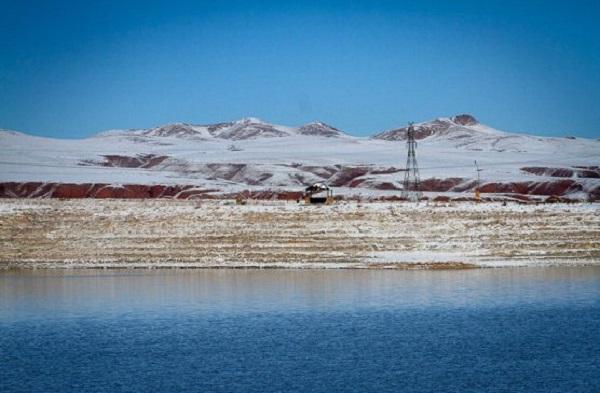 دریاچه ی بزنگان,عکسهای دریاچه بزنگان,ماهی دریاچه بزنگان
