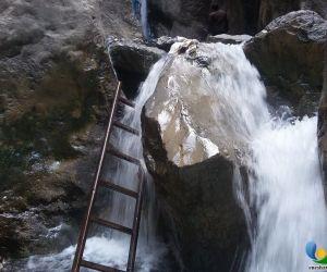 آبشار قره سو کلات,آدرس قره سو,ادرس قره سو کلات