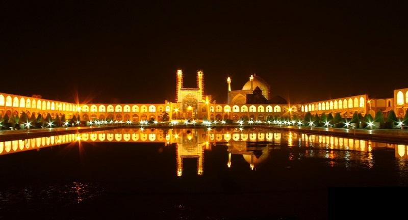 کاخ عالی قاپو اصفهان,مسجد جامع اصفهان,ميدان نقش جهان اصفهان