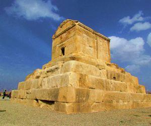 آرامگاه کوروش بزرگ,بنای تاریخی پاسارگاد,پاسارگاد شیراز