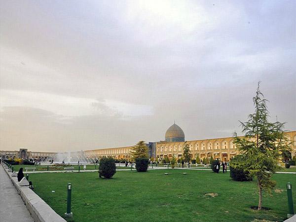 کاخ عالی قاپو اصفهان,مسجد جامع اصفهان,میدان نقش جهان اصفهان