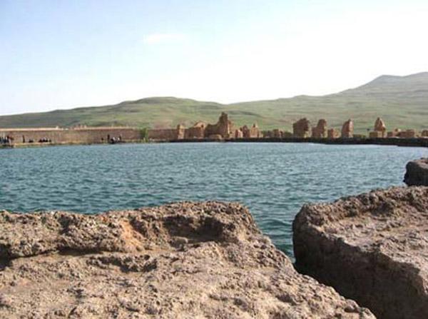 آتشکده آذر گشتسب,تخت سلیمان آذربایجان غربی,تخت سلیمان در ایران