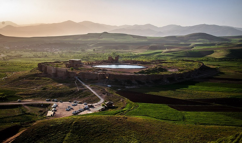 آتشکده آذر گشتسب,تخت سلیمان,تخت سلیمان آذربایجان غربی