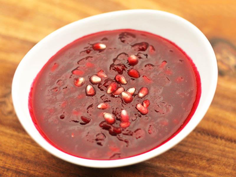 ترشی انار یکی دیگر از سوغات ساری