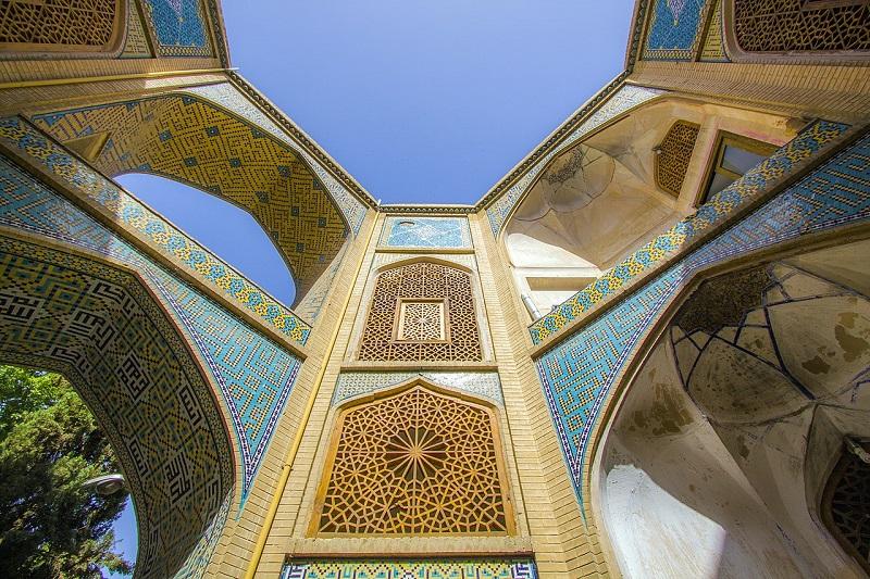 معماری مدرسه چهارباغ اصفهان