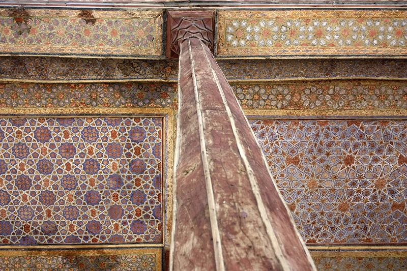 آدرس کاخ چهل ستون اصفهان,باغ چهلستون اصفهان,چهل ستون اصفهان