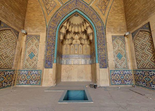 تاریخچه مسجد حکیم,شبستان مسجد,کتیبه های مسجد حکیم