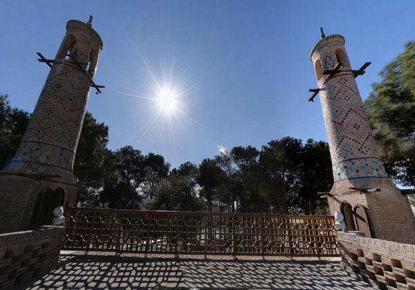 عکس منار جنبان اصفهان,عمو عبدالله کارلادانی,معماری منار جنبان اصفهان