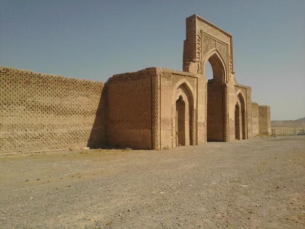 کاروانسراهای ایران,مسجد رباط شرف,معمار رباط شرف خراسان