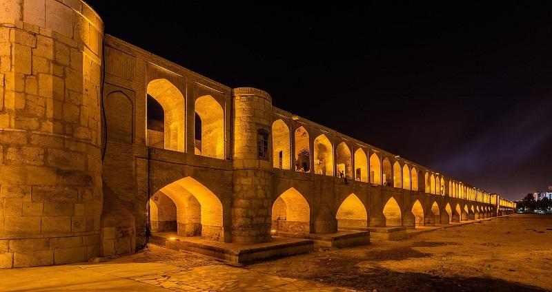 سی و سه پل,سی و سه پل اصفهان,سی و سه پل در اصفهان