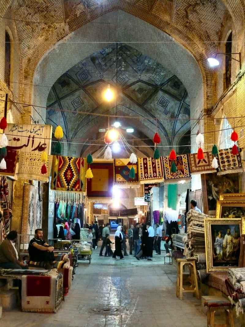 قدمت بازار وکیل شیراز,معماری بازار وکیل شیراز,وکیل شیراز