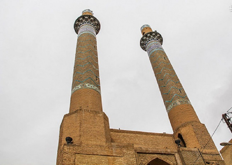 جاذبه های تاریخی استان اصفهان,جاذبه های مذهبی استان اصفهان,دو مناره اصفهان