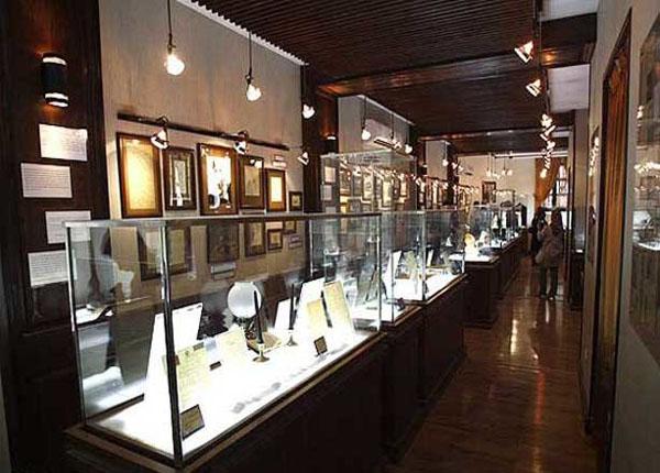 موزه هنرهای تزیینی