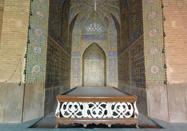 عکس مسجد رحیم خان اصفهان,محراب مسجد,مسجد چهار ایوانی