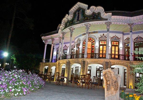 بنای تاریخی,تاریخچه عمارت شاپوری,تاریخچه عمارت شاپوری شیراز
