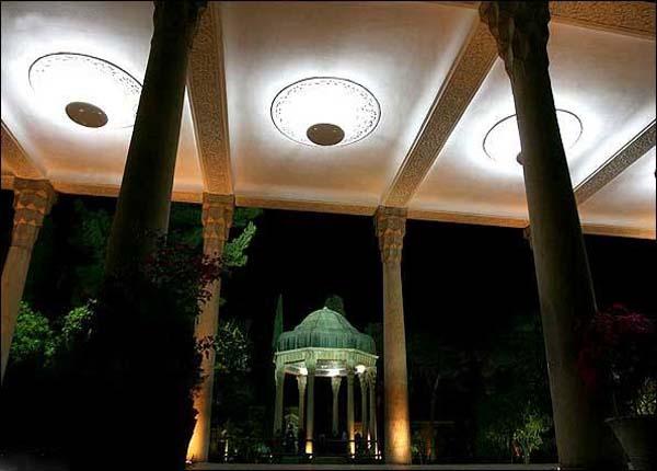 tomb-of-hafez4