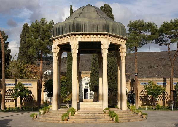 tomb-of-hafez6