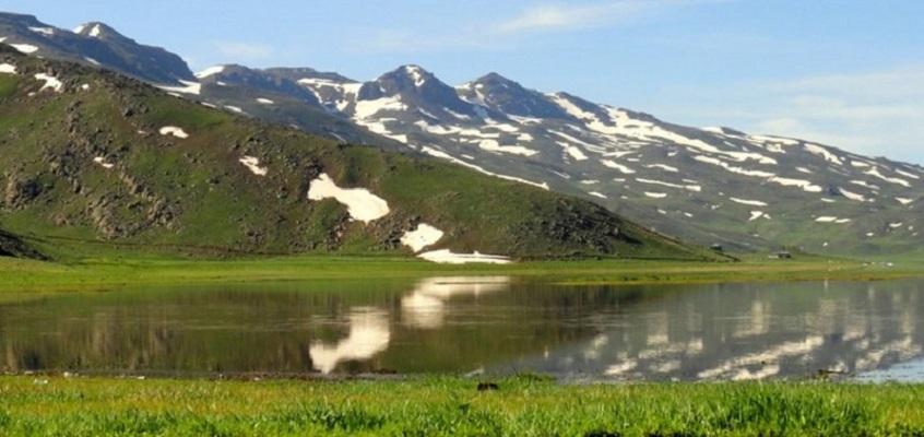 دریاچه ی نئور اردبیل,عکس دریاچه نئور,ماهیگیری در دریاچه نئور