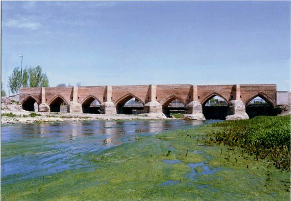 پل تاریخی اردبیل,پل هفت چشمه,پل یدی گوز
