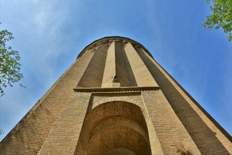عکس برج طغرل در شهرری,معماری برج طغرل