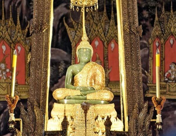 Emerald-Buddha-Temple