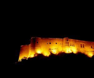 آدرس قلعه فلک الافلاک لرستان,پلان قلعه فلک الافلاک,عکس قلعه فلک الافلاک