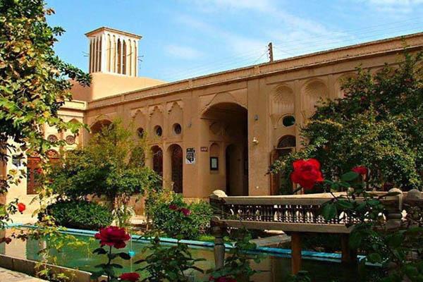 آدرس خانه لاری ها یزد,بناهای تاریخی یزد,بنای تاریخی
