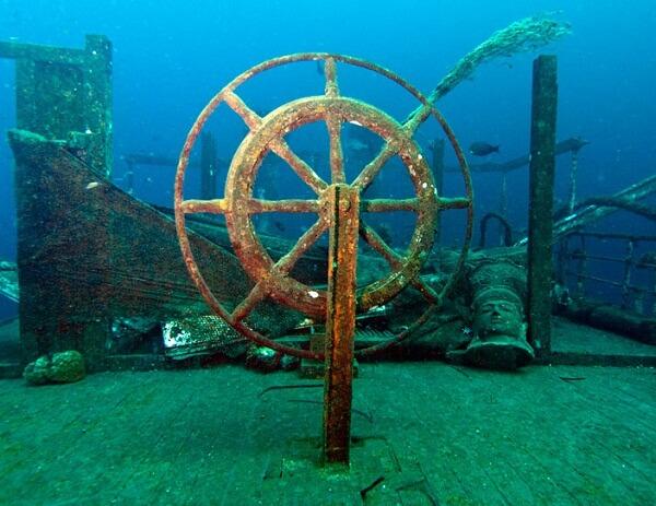 The-Boga-Shipwreck-01