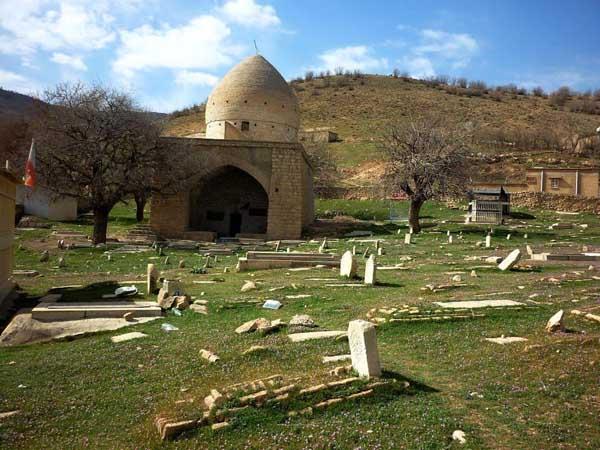 khorshid-shujahuddin-tomb2