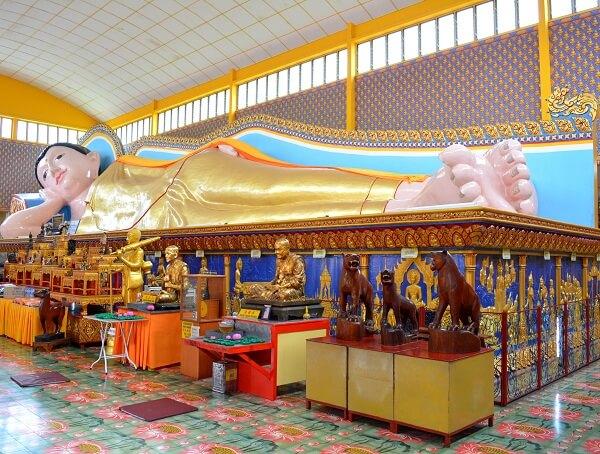 reclining-buddha-statue-at-wat-chaiyamangkalaram