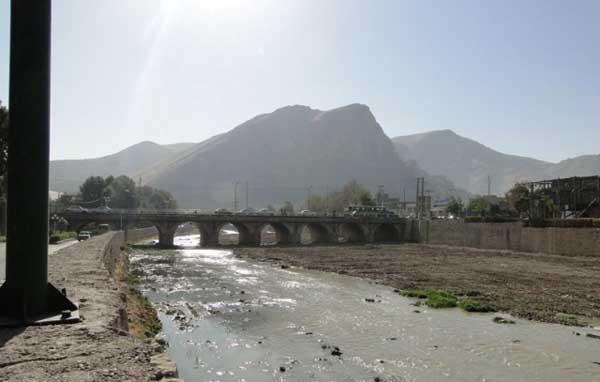 بنای تاریخی خرم آباد,پل آجری,پل آجری خرم آباد
