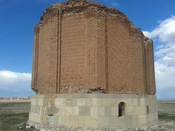 برج شاطر گنبدی شهر اردبیل,برج های تاریخی,برج های تاریخی ایران