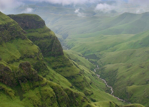 Drakensberg-Mountain-Views
