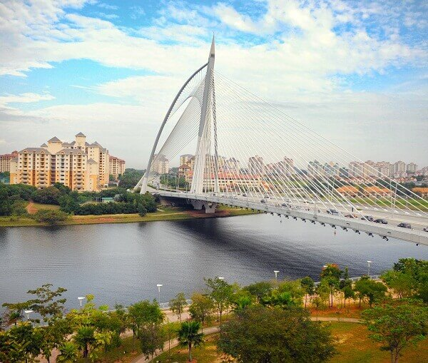 Putrajaya Lake Bridge