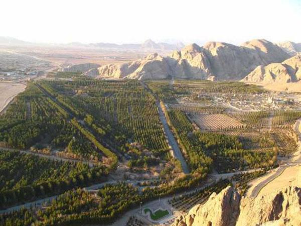 تخت دریا قلی بیگ کرمان,درگاه قلی بیگ,عکس تخت درگاه قلی بیگ