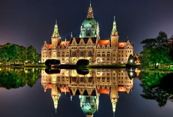 Neues_Rathaus_Hannover_Luftbild