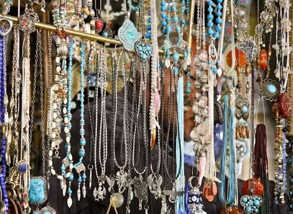 آدرس بازار سنتی اصفهان,بازار بزرگ سنتی اصفهان,بازار قیصریه اصفهان