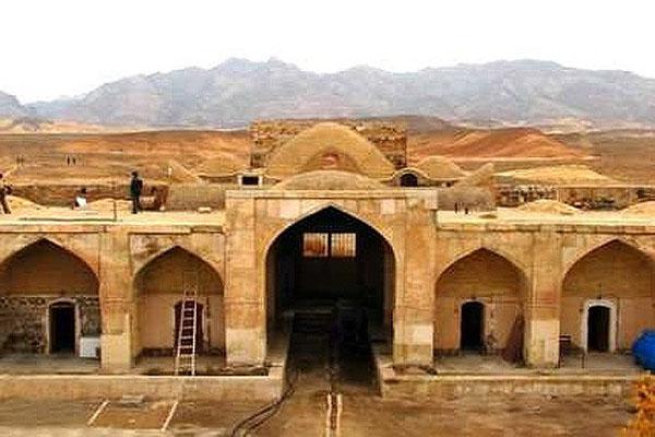 قلعه پاسنگان,کاروانسرای پاسنگان,کاروانسرای تاریخی پاسنگان