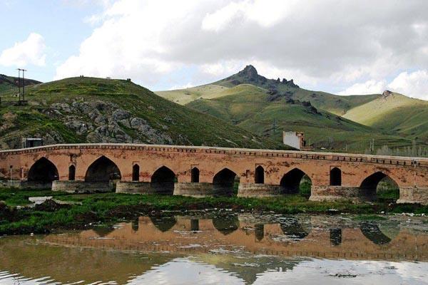 پل تاریخی قشلاق,پل شیخ,پل شیخ سنندج