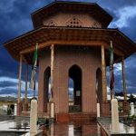 آرامگاه میرزا کوچک خان,آرامگاه میرزا کوچک خان جنگلی,آرامگاه میرزا کوچک خان رشت