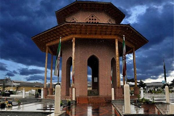 tomb-of-mirza-kuchak-khan1
