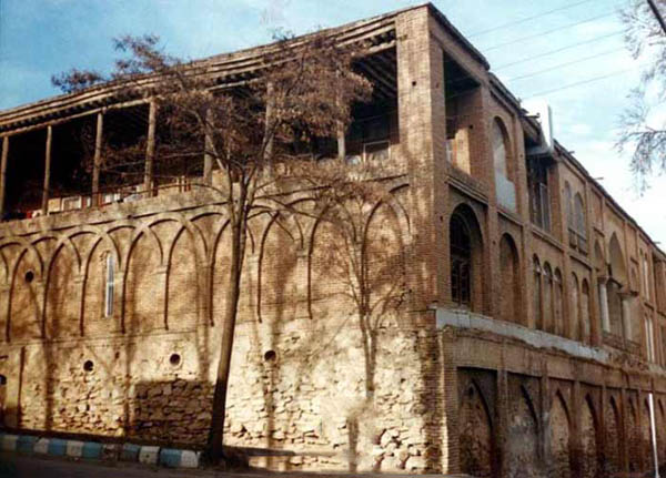 vakil-building2