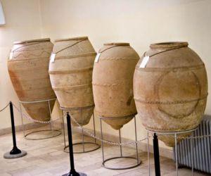 آثار موزه هگمتانه,آدرس موزه هگمتانه همدان,جاذبه های فرهنگی همدان