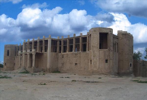 عمارت ملک استان بوشهر,عمارت ملک در بوشهر