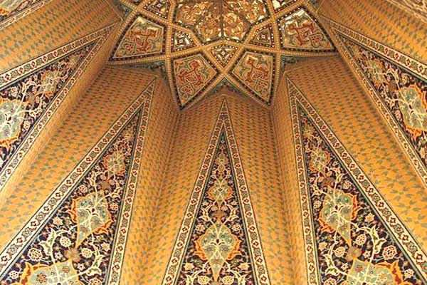 آرامگاه باباطاهر در همدان,مقبره بابا طاهر,مقبره بابا طاهر در همدان