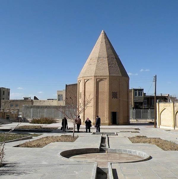 محله برج قربان همدان,معماری برج قربان