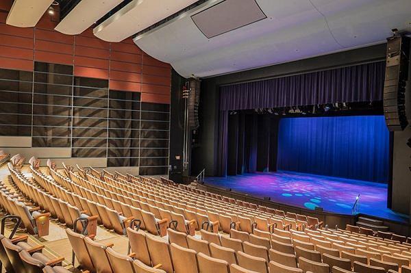 centrepointe-theatre
